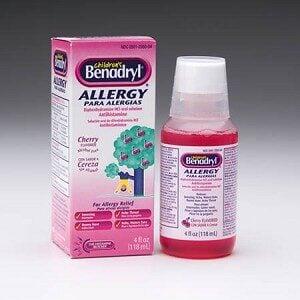 Benadryl liquid and box